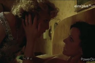 Maria Schrader – hot lesbian sex with a blonde housewife