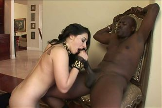 Lexinghton Steele loves a nice Brunette with a perfect ASS